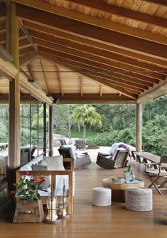 House in Brazil by Cadas Architecture -- I want that veranda! Exterior Design, Interior And Exterior, Outdoor Spaces, Outdoor Living, Indoor Outdoor, Terrasse Design, Patio Design, Garden Design, Wooden House