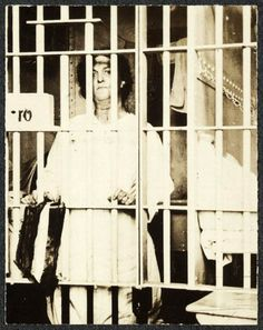 """1917 Helena Hill Weed serves a three-day sentence in a Washington, D. prison for carrying a banner saying """"Governments derive their just powers from the consent of the governed."""" IMAGE: LIBRARY OF CONGRESS Great Women, Amazing Women, Les Suffragettes, Alice Paul, Suffrage Movement, Right To Vote, Night Terror, Brave Women, Portraits"""
