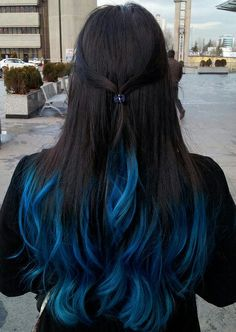 Blue-dark brown hair