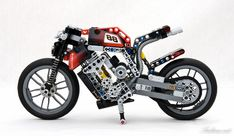 8051 Streetfighter/naked version by Ludime Vintage Lego, Lego Technic, Lego Motorbike, Motorcycle, Ducati, V Engine, Lego Pictures, All Lego, Hobby Toys