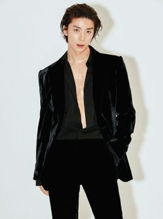 Hwiyoung opened up about a possible solo debut with 'GQ Korea' magazine.At 21 years of age, Hwiyoung is one of the youngest members of but… Gq, Pentagon Wooseok, Chani Sf9, Sf 9, Monsta X Hyungwon, K Idol, Boyfriend Material, Asian Fashion, Kpop Fashion
