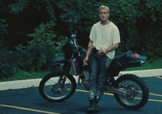 Ryan Gosling as Luke Glanton in The Place Beyond The Pines Mike Patton, Style Ryan Gosling, Ryan Gosling Tattoos, Ryan Gosling Young, Movies Showing, Belle Photo, Justin Bieber, Beautiful People, Gorgeous Men