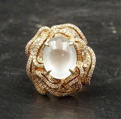 CHINESE JADEITE AND DIAMOND ON ROSE GOLD RING