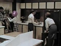 """Suzy Homemaker: """"A Day in the Life of a Kitchen"""" 1966 Frigidaire 6min: http://youtu.be/7RTkPLBZUf4 #countdown #breakfast #classic"""