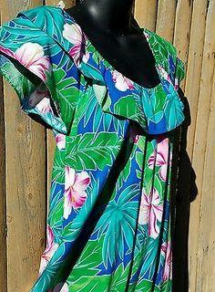 VTG Hilo Hattie of Hawaii Dress Muumuu Small Hibiscus Palms Tropical Floral