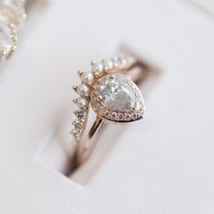cool 39 Fancy Engagement Rings for Classy Pair http://viscawedding.com/2017/04/15/fancy-engagement-rings-classy-pair/