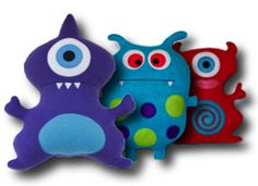 Kid picks fabric volunteer sews kids make eyes and mouths to glue on (use fabric glue) kid stuffs volunteer stiches up opening. Felt Monster, Monster Dolls, Serger Projects, Sewing Projects, Fleece Projects, Monster Birthday Parties, Monster Party, Make Your Own Monster, Kid Picks