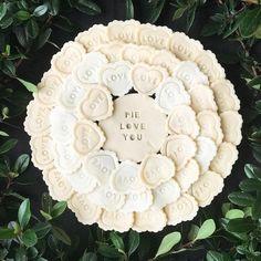 7 Valentine's Day Pie Crust Ideas - Kuchen/Gebäck - Torten Cake Ingredients, Beautiful Pie Crusts, Pie Crust Designs, Pie Decoration, Pies Art, Pie In The Sky, Pastry Art, Pie Crust Recipes, Sweets