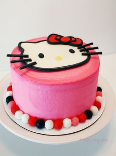 Hello Kitty Cake by lorieintucson, via Flickr