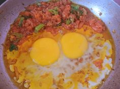 Anda Bhurji Pakistani Food Recipe is very tasty and delicious recipes. It is prepared within 10 minutes and your breakfast egg recipe is ready to eat. Anda Bhurji Recipe, Lipton Green Tea, Egg Recipes For Breakfast, Tasty, Yummy Food, Vegetarian Chili, Recipe For Mom, Cooking Time, Chefs