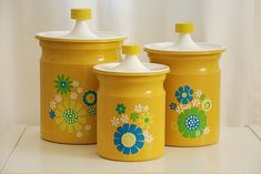 love these 70s canisters :)