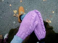 Lila mittens https://www.etsy.com/es/listing/501076725/super-soft-new-year-woman