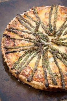 Asparagus and Gruyère tart