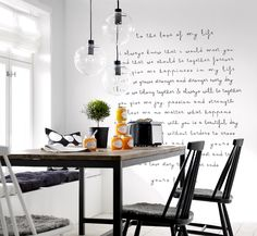 Love the idea of a handwritten saying/message Dining Corner, Dining Area, Kitchen Dining, Kitchen Decor, A Table, Dining Table, Kitchen Interior, Furniture Design, Sweet Home