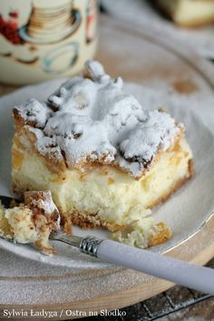 SERNIK Z PIANKĄ I BRZOSKWINIAMI Sweets Cake, Cookie Desserts, No Bake Desserts, Sweet And Sour Vegetables, Carrot Cake Cheesecake, Chocolate Raspberry Cake, Polish Recipes, Sugar Cookies, Sweet Recipes