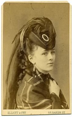 Portrait of a young woman, England, 1875 1870s Fashion, Edwardian Fashion, Vintage Fashion, Victorian Hats, Victorian Women, Vintage Photographs, Vintage Pictures, Victorian Pictures, Baker Street