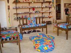 Alguns elementos quando usados na decoração deixam sua marca, a chita é um deles.