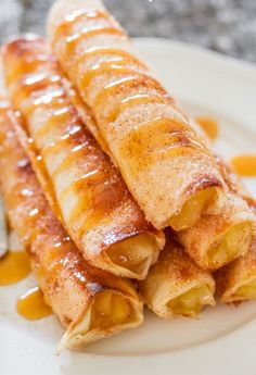 Apple Pie Taquitos – crispy, sweet, and delicious, these taquitos are simple to make. All the makings of a great apple pie, in a fun taquito form. Genius!