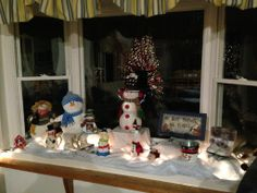 holiday sparkle in a christmas bathroom christmas bathroom decoration and homemade christmas decorations - Ideas For Decorating A Bay Window For Christmas