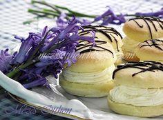 jojó fánk csokival díszítve fotó Pastries, Food, Meal, Essen, Hoods, Meals, Eten, Reposteria, Baking