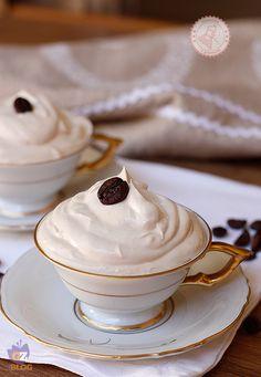 CREMA AL CAFFE SENZA UOVA