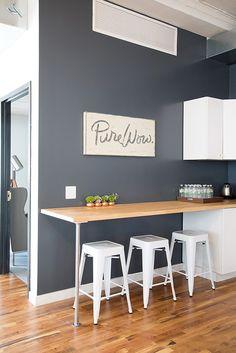 kitchen bar Top 10 Minimalist Bar Table Design Ideas For Your Small Kitchen Bar Table Design, Cheap Kitchen Remodel, Kitchen Remodeling, Remodeling Ideas, Small Kitchen Tables, Small Bar Table, Small Tables, Cuisines Design, Minimalist Kitchen
