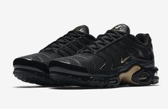 3e7cfa707b9 Nike Black and Gold Pack New Year s Day - Sneaker Bar Detroit