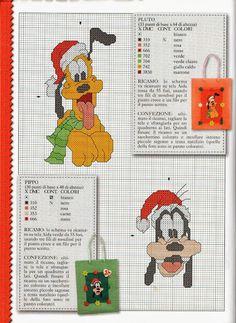 Pluto & Goofy / Santa hats