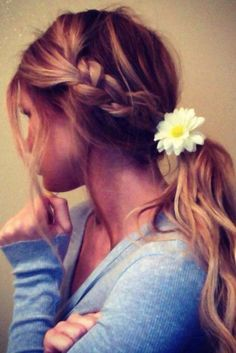 Easy hair: la coda con treccia
