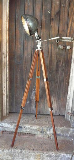 Vintage Car Headlight Tripod Floor Lamp Wall Niches, Diy Auto, Retro Lamp, Car Headlights, Diy Flooring, Tripod Lamp, Rustic Industrial, Floor Lamps, Humble Abode