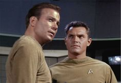 Captains Pike and Kirk. Star Trek Voyager, Star Trek Cast, Star Trek Original Series, Star Trek Series, Star Terk, Star Trek Quotes, James T Kirk, Star Trek Uniforms, Star Trek Episodes