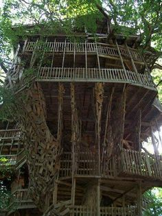The Minister's Tree House in Crossville Tennessee