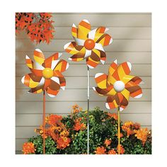 Candy Corn Pinwheel Yard Stakes @ Oriental Trading (outdoor decorations for Halloween Night) Halloween Yard Art, Outdoor Halloween, Holidays Halloween, Halloween Crafts, Halloween Decorations, Yard Decorations, Halloween Ideas, Halloween Night, Diy Spinning Wheel