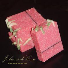 Jabon natural artesano fresa-avena | strawberry oat soap