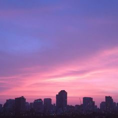 Awesome #sunset tonight.  God is awesome. #sunsets #hawaii #honolulu #waikikibeach #waikiki #きれい #clouds #cloud #sky #colors #iger #igers #instasunset #instasky #ハワイ  #ホノルル #そら #photooftheday #nofilter #nexus6