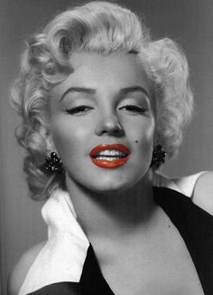 Marilyn Monroe in black and white with a splash of red (lips)