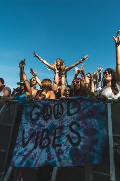 Good vibes all around. #Coachella