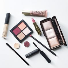 Your Makeup Lifetime Guide // Almost every beauty product you buy, makeup and skincare, will have an expiry period on them which you should definitely take note of! Get all the info on the blog now // Marisa Robinson MUA #makeup #beauty #makeupflatlay #motd