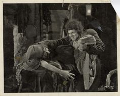 Collection of 16 original stills of Lon Chaney Sr. & cast members in The Hunchback of Notre Dame Monster Horror Movies, Silent Horror, Lon Chaney, Silent Film Stars, Famous Monsters, Classic Horror Movies, Classic Monsters, Creature Feature, Film Stills