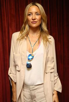 We want to know how Kate Hudson can consistently rock a beachy-cool style.