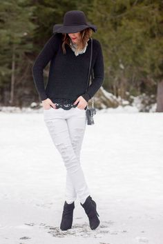 Winter Whites | Distressed jeans | Black and White | Winter fashion | www.stylemissmolly.com