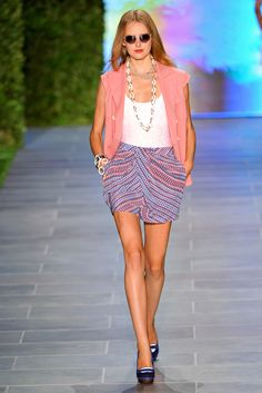 Tommy Hilfiger Spring 2011 Ready-to-Wear Collection Slideshow on Style.com