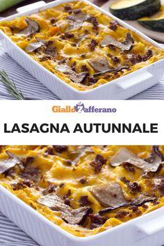 Zucca, funghi e salsiccia in un'unica ricca e gustosa ricetta per tutta la famiglia: LASAGNA AUTUNNALE! #lasagna #lasagne #autunnale #autunno #fall #autumn #zucca #funghi #salsiccia #pumpkin #mushroom #sausage #ragù #family #sunday #ricetta #recipe #giallozafferano [Easy italian fall pumpkin and mushroom lasagna recipe] Ravioli, Spaghetti Soup, Pasta Recipes, Cooking Recipes, Sausage Lasagna, Yummy Food, Tasty, Fall Dinner, Great Appetizers