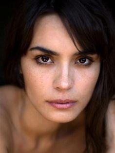 Shannon Sossamon natural makeup