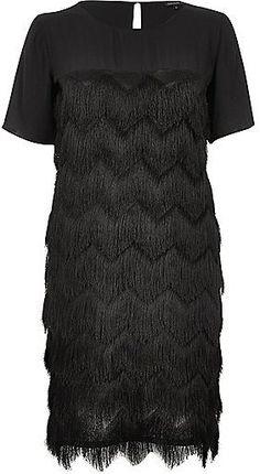 Pin for Later: Die schönsten Flapper-Kleider für jede Figur  River Island Schwarzes Flapper-Kleid mit Fransen (60 €)