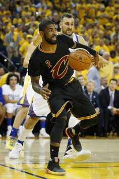 "Kyrie Irving had a monster Game 5 by dropping 41 points at Oracle Arena to keep the Cavs alive. He wore the Nike Kyrie 2 ""Gradient"". Mba Basketball, Basketball Skills, Kyrie Irving Cavs, Sports Images, Nike Kyrie, Kobe Bryant, Cleveland, Finals, Legends"