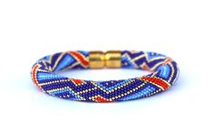 bead crochet bracelet ocean 2 shades of blue light blue gold and red