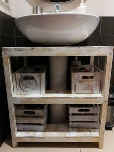 Un mueble con palets rústico para el lavabo – I Love Palets Rustic Bathroom Vanities, Bathroom Storage, Bathroom Design Luxury, Bath Decor, Double Vanity, Diy Furniture, Sweet Home, House Design, Wood