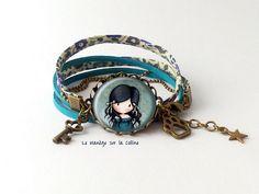 bracelet suédine bleue deux tours sur monture bronze La petite fille en bleu by Follow the Flying Pig, via Flickr