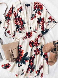These outfits are really easy and simple to wear, also they look SO stylish and fashionable. Here are our collection of easy summer outfits! Casual Outfits, Cute Outfits, Fashion Outfits, Womens Fashion, Style Fashion, Casual Clothes, 90s Fashion, Dress Fashion, Fashion Art